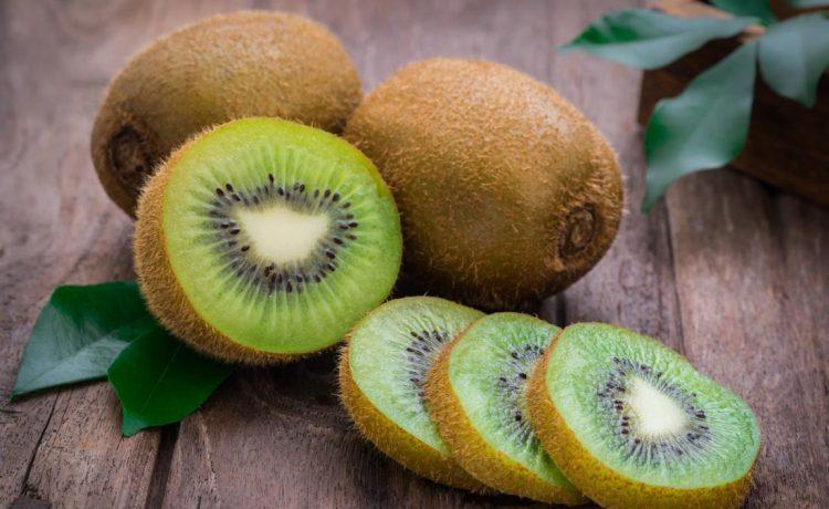 Mau Sehat !! Konsumsi Buah Kiwi Dan Berikut Manfaatnya